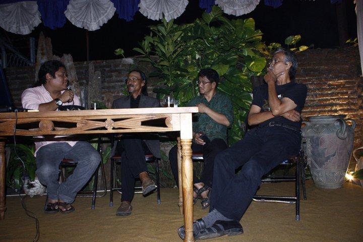 Seminar Seni Budaya dan IT Rumah kartini Japara Indonesia