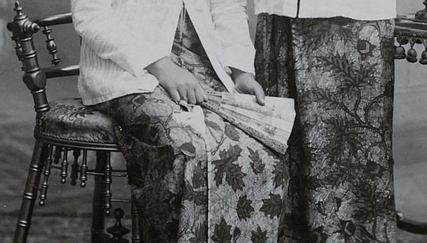 Kerajinan-Seni-ukir-dan-batik-Kartini-Japara-reproduksi-Komunitas-Rumah-kartini-Indonesia